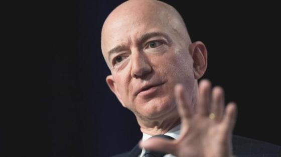 Основатель Amazon Безос обвинил таблоид National Inquirer в шантаже с обнаженными фотографиями
