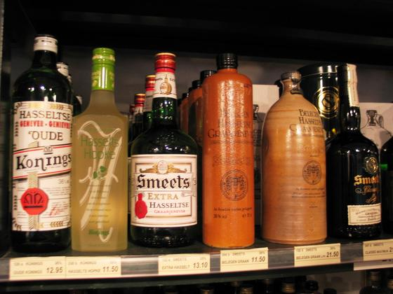 Джин: что это такое, как выбрать и пить