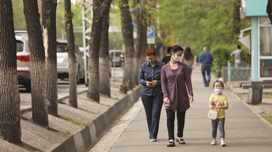 ТРЦ, парки и фитнес-клубы: снова закроют в Нур-Султане и Алматы