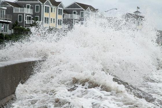 Мощный тайфун в Япониии: один человек погиб, 50 пострадали