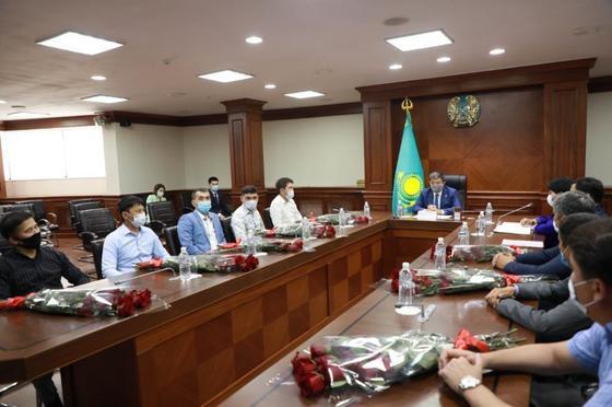 Встреча Махамбета Досмухамбетова со спортсменами