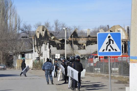 Беспорядки в Кордайском районе: 185 человек пострадали, 39 жилых домов сгорело