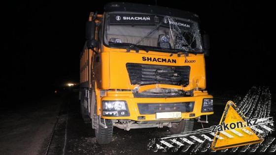 Мужчину раздавило между грузовиками на трассе Алматы- Нур-Султан (фото)