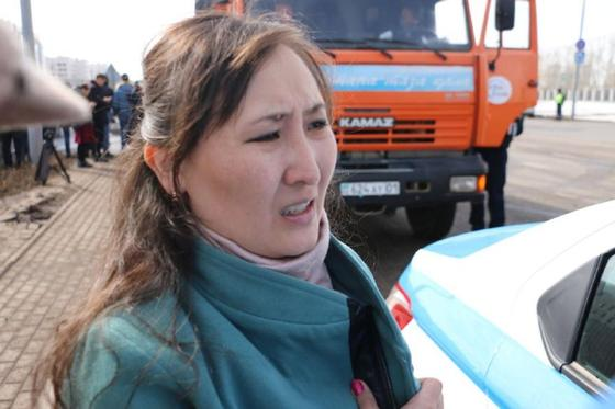 """""""Я в шоке, удар был сзади"""": пострадавшая с сотрясением мозга о жуткой аварии в Нур-Султане"""