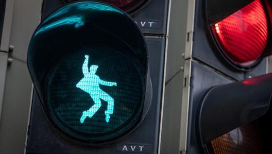 Светофоры с Элвисом установили в Германии