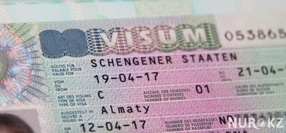 Сократился список стран, куда кзахстанцы могут ехать без визы
