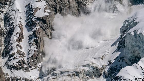 Сход снежных лавин и опасность селя пообещали алматинцам в мае