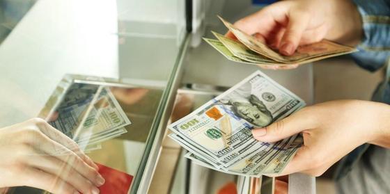 Курс доллара на казахстанской бирже составил 378 тенге