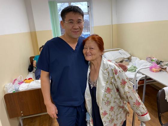 Сложнейшую операцию по замене суставов провели в Шымкенте