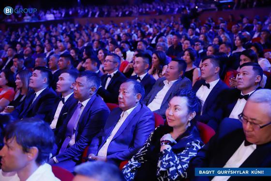 Нұр-Сұлтанда құрылысшыларды Индустрия министрі Роман Скляр құттықтады