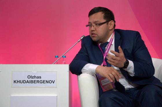 Олжас Худайбергенов освобожден от должности внештатного советника президента