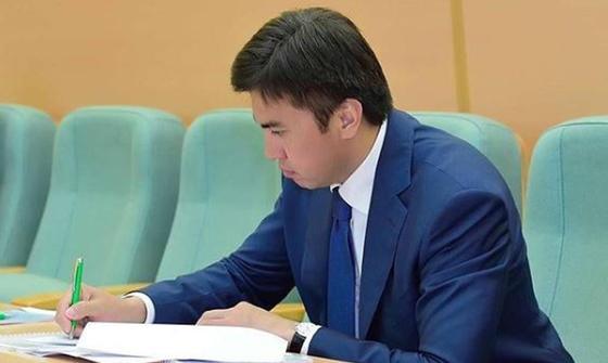 Аким Шымкента призвал казахстанцев думать