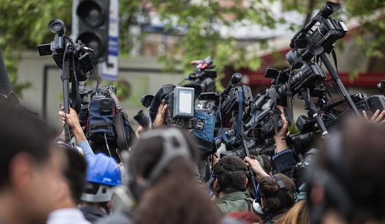 Работа СМИ оказалась под угрозой срыва из-за введения новой базы в Алматы