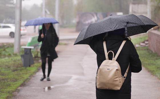 Снег, дождь и сильный ветер ожидаются в регионах Казахстана