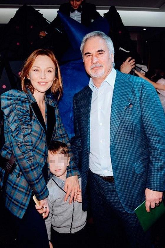 Меладзе и Джанабаева впервые показали младшего сына (фото)