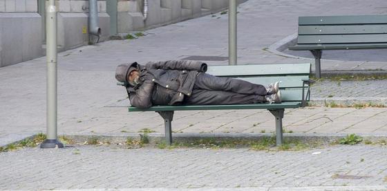 «Два года в Испании я бомжевал на лавочке»: казахстанский бизнесмен о поездке в Европу