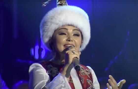 Алтынай Жорабаева на сцене