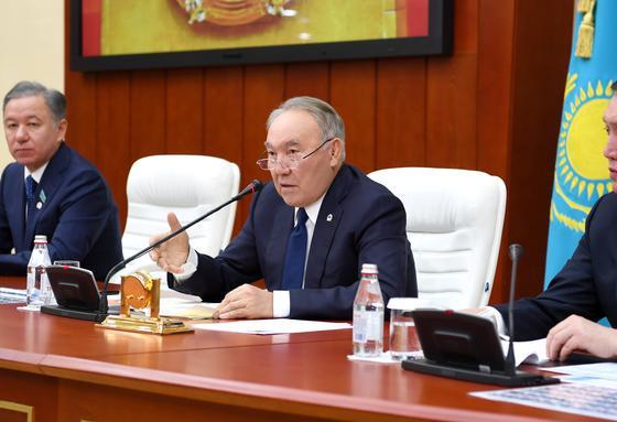 Назарбаев: Алдымызда Тоқаевтың маңайына элитаны топтастыру міндеті тұр