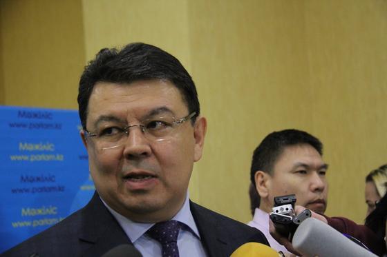 Бозумбаев: Четвертый НПЗ пока строиться не будет. Точка
