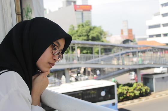 Девушку заставили снять хиджаб перед входом в самолет
