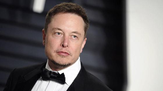 Илон Маск жекеменшік мүліктерін сатып жатыр