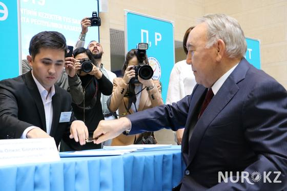 Назарбаев сделал свой выбор (фото)