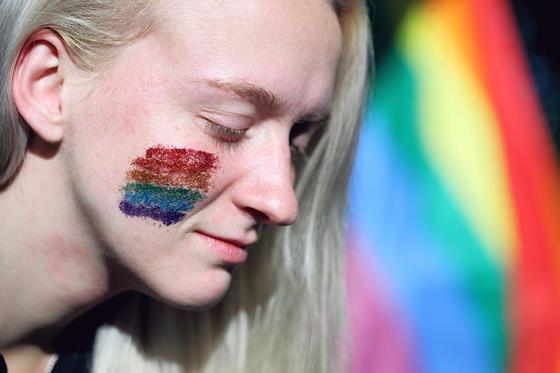 Что такое ЛГБТ, флаг ЛГБТ и борьба за права