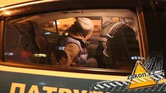 Алматинские прохожие задержали грабителя (фото, видео)