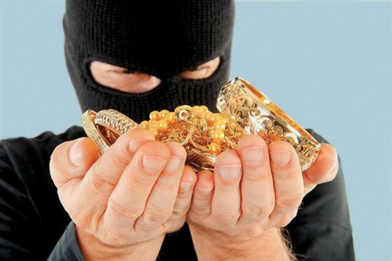 """В Туркестанской области полицейские раскрыли кражу на 20 млн тенге по """"горячим следам"""""""