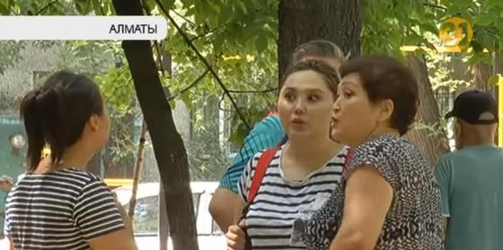 Жители Алматы пожаловались на притон в собственном доме
