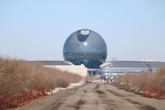Назарбаев Астанада үлкен мешіттің іргетасын қалады (фото)
