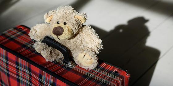 Отец дал больному ребенку разрешение на выезд из Казахстана на шесть часов