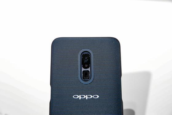 Oppo представила первый в мире смартфон с 5G (фото, видео)