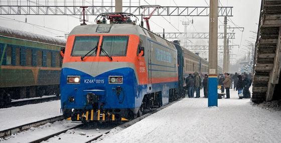 Дополнительные поезда вводят к Новому году в Казахстане