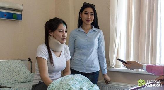 """""""Люди лежали на земле"""": фельдшер оказала помощь пострадавшим в массовом ДТП в Астане, несмотря на травму"""
