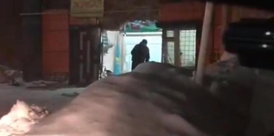 Микроавтобус протаранил магазин в Уральске