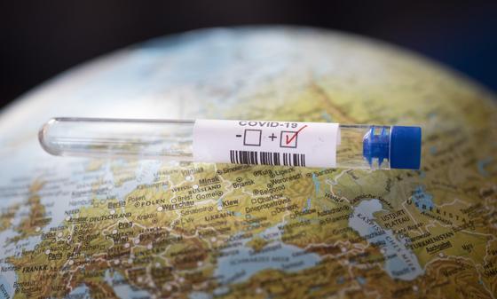 ВОЗ назвали сроки начала массовой вакцинации людей от коронавируса