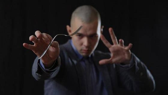 08.12Казахстанец передал мысли Тимура Родригеса юмористке с помощью телепатии (видео)
