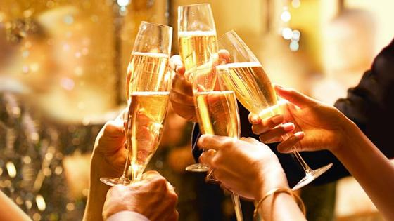 """""""Смертельный номер"""": нарколог рассказал, как нельзя пить алкоголь на Новый год"""