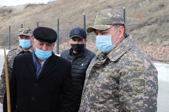Министр по ЧС Юрий Ильин на облете паводкоопасных участков
