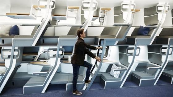 Опубликованы фото двухэтажных кресел самолетов для защиты от коронавируса