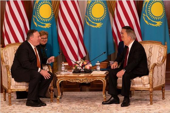 Госсекретарь США пожелал выздоровления Назарбаеву