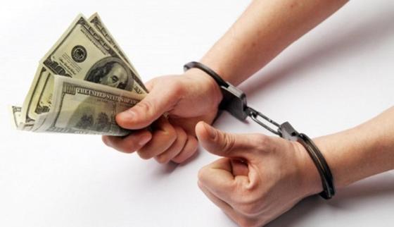 Чиновник заплатит миллион тенге за дачу взятку в Костанае