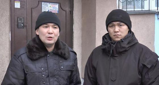 Сотрудники СОБР выбили дверь, чтобы спасти ребенка из горящей квартиры в Алматы