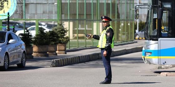 Жол бойындағы және қала кіре берістеріндегі полицей бекеттері қысқартылатын болды
