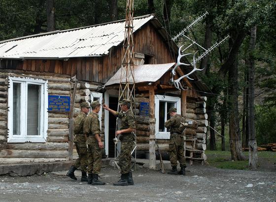 """""""Арқанкерген"""" бекеті. 2004 жыл. Фото: Максим Золотухин"""