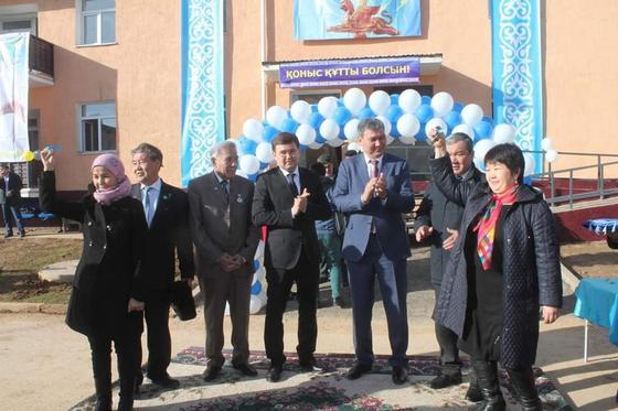 В преддверии Дня Независимости 108 арысских семей получили ключи от квартир