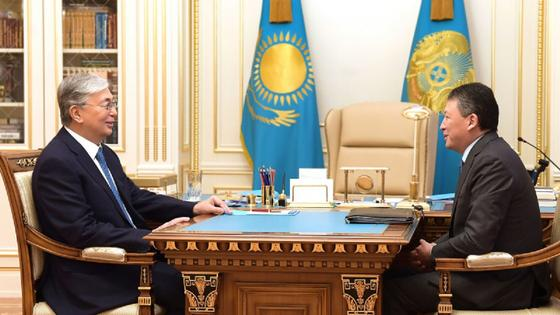 Токаев провел встречу с Кулибаевым