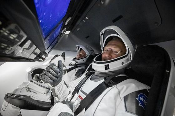 Илон Масктің ғарыш кемесі Халықаралық ғарыш станциясымен түйісті (видео)