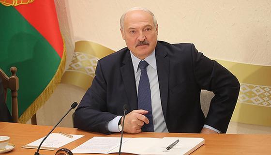 Лукашенко заявил о готовности поменять конституцию